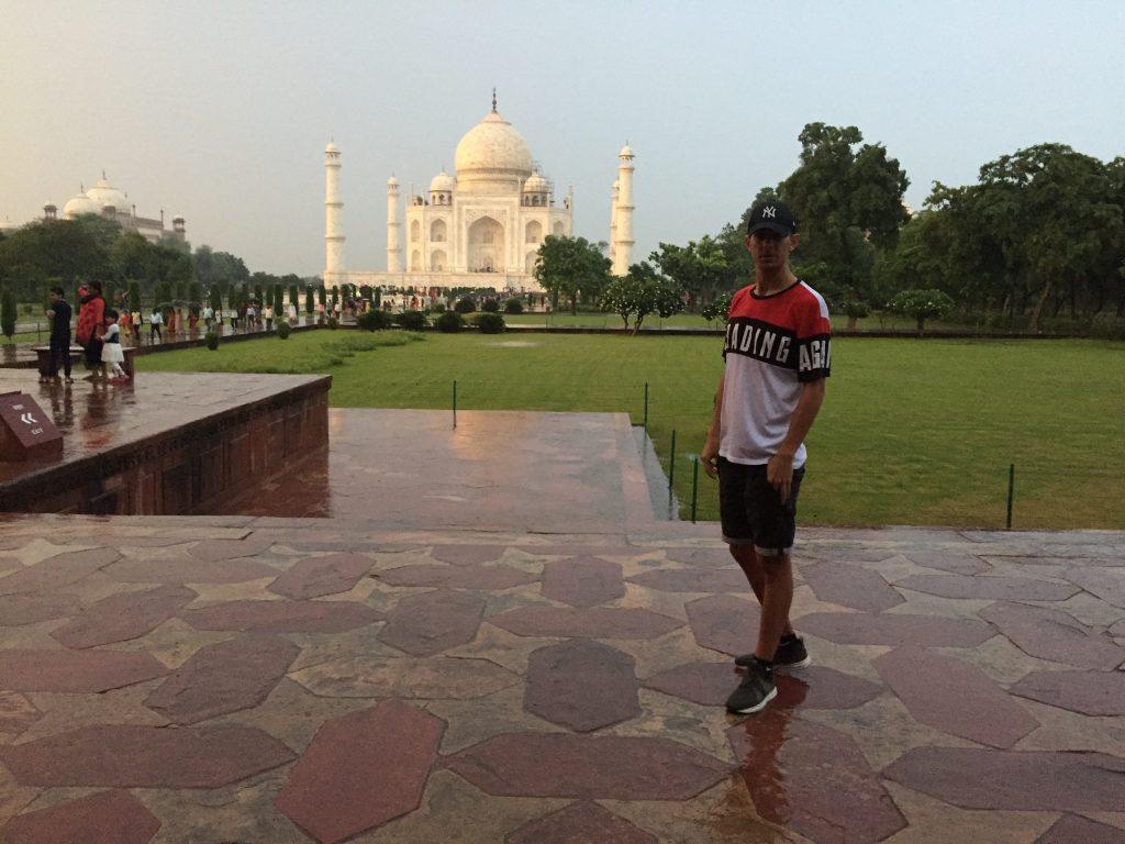 Love-Sign Taj Mahal